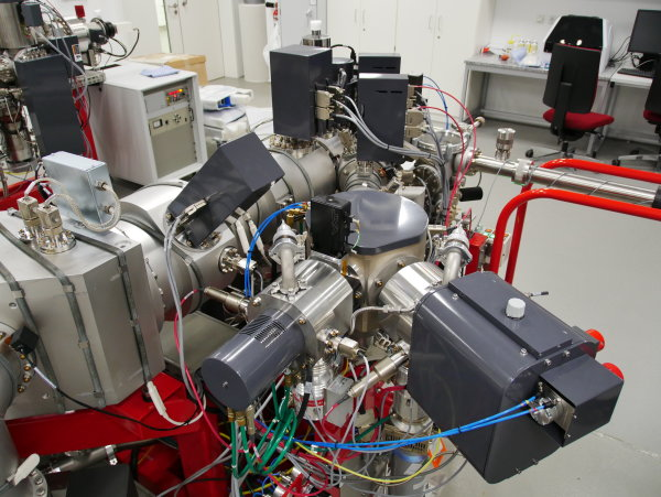 1 Primary Ion Source